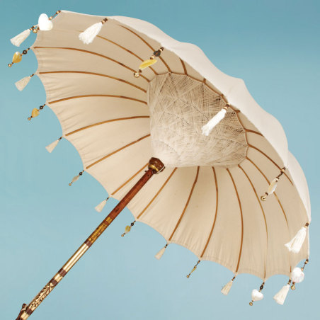 vintage garden parasols sitting pretty in every garden or at least they should be the busy. Black Bedroom Furniture Sets. Home Design Ideas